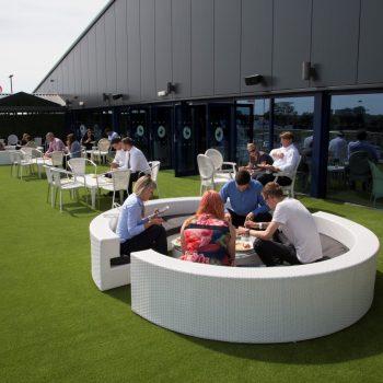 horizon lounge outside